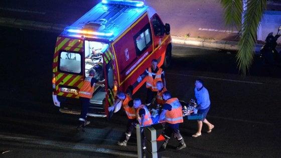 La strage di Nizza diventa un mistero: la bici, le finte armi e l'ultimo sms