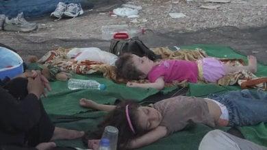 Lesbo, bambini chiusi dietro  i fili spinati trattati come criminali