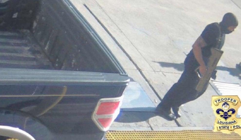 Baton Rouge, i fotogrammi dell'assalto ai poliziotti