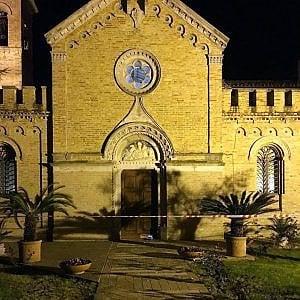 Fermo, due arresti per le bombe davanti alle chiese