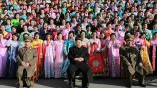 Corea del Nord, Kim Jong-un e le mogli degli ufficiali