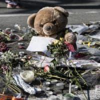 """Terrorismo, Francia: Hollande mobilita 10 mila riservisti. Europol: """"Lupi solitari malati..."""