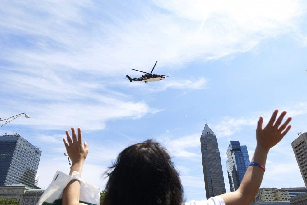 Cleveland, l'arrivo di Donald Trump in elicottero