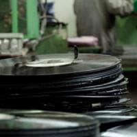 Musica: il digitale sorpassa il cd, ma il vinile è da record e cresce a doppia cifra