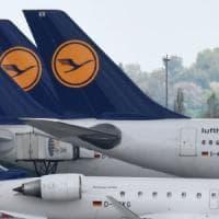 Paura di volare: terrorismo e instabilità internazionale affossano i conti easyJet e...