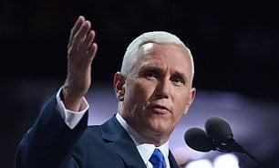 Cristiano, conservatore e repubblicano: chi è Pence il 'vicepresidente' di Trump