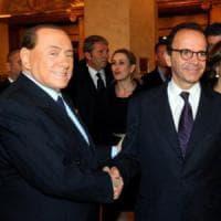 Forza Italia, Berlusconi ai 'colonnelli' del partito: avanti con Parisi e 'no' al...
