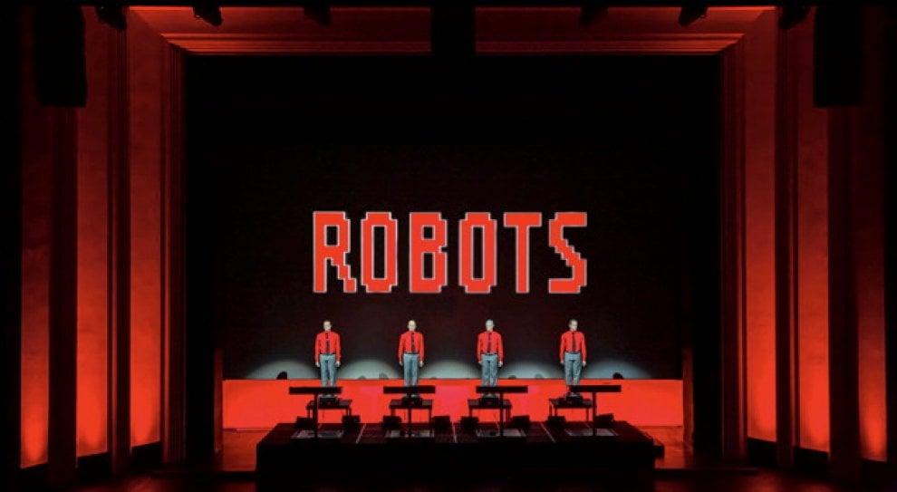 Mezzo secolo per sconvolgere il pop: Kraftwerk in scena all'Arena di Verona