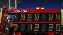 """Mondiale cade dopo 28 anni, la Harrison a 12""""20  Ma non andrà a Rio Bolt sotto i 20"""" nei 200"""