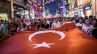 Turchia, fermo di polizia fino a 30 giorni arrestati braccio destro e nipote di Gulen