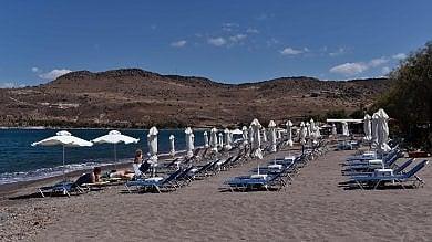 Grecia, Lesbo l'estate dopo l'emergenza  Il turismo non c'è più -   foto