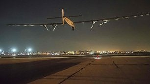 Solar Impulse lascia l'Egitto ultima tappa del giro del mondo