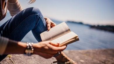 Leggere romanzi fa stare bene con gli altri
