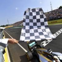 F1, Hamilton trionfa al Gp di Ungheria