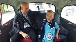 In taxi c'è Pep Guardiola, la corsa indimenticabile del piccolo tifoso