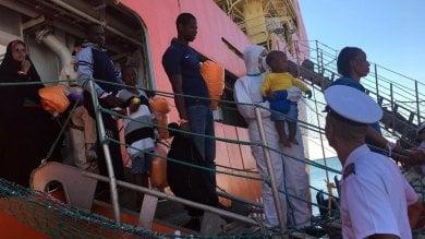 Libia, decine di migranti annegati i corpi ritrovati sulle spiagge di Sabratha
