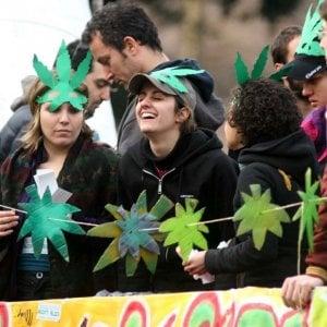 Legalizzazione cannabis, così può indebolire mafie e terrorismo