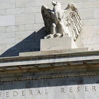 Le Borse Ue chiudono contrastate con Wall Street. Tiene la fiducia tedesca