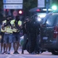 Strage Monaco, Facebook e Twitter per fermare il caos: la polizia scopre la carta social