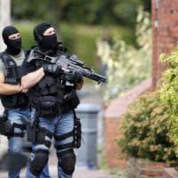 Francia, Rouen: jihadista aveva braccialetto elettronico e quattro ore per
