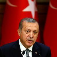 Turchia, il giorno della purga: ordine di chiusura per 45 giornali e 16 canali televisivi