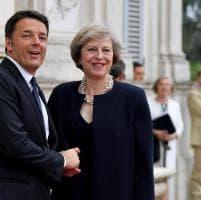 """Brexit, May a Renzi: """"Garantirò stessi diritti agli italiani. Lotta comune al terrore non cambia"""""""