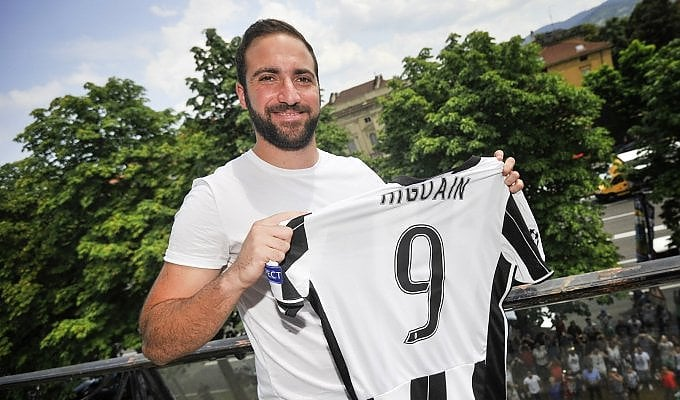 """Higuain a Torino: """"Sono felice"""""""