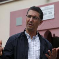 """L'imam di Saint-Etienne: """"Così i nuovi barbari vogliono dividerci"""""""