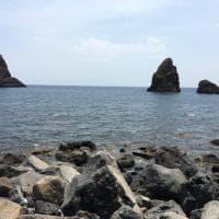 Taormina Catania Aci Castello. Le terre della lava