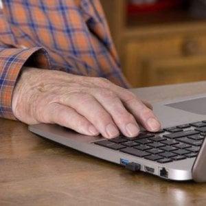 Alzheimer, positivi i test su un farmaco che frena la progressione della malattia
