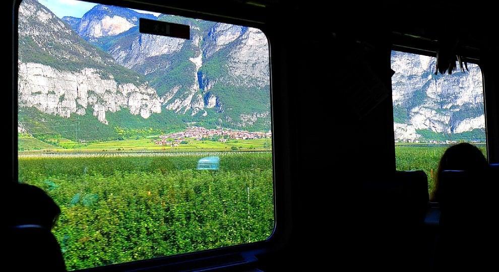 Storie da un treno in viaggio: l'infinito scorre lento -  ft