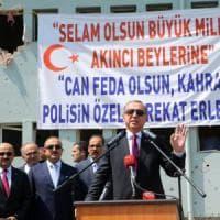 """Turchia, revocati 50 mila passaporti. Erdogan: l'Occidente """"si faccia gli affari suoi"""""""