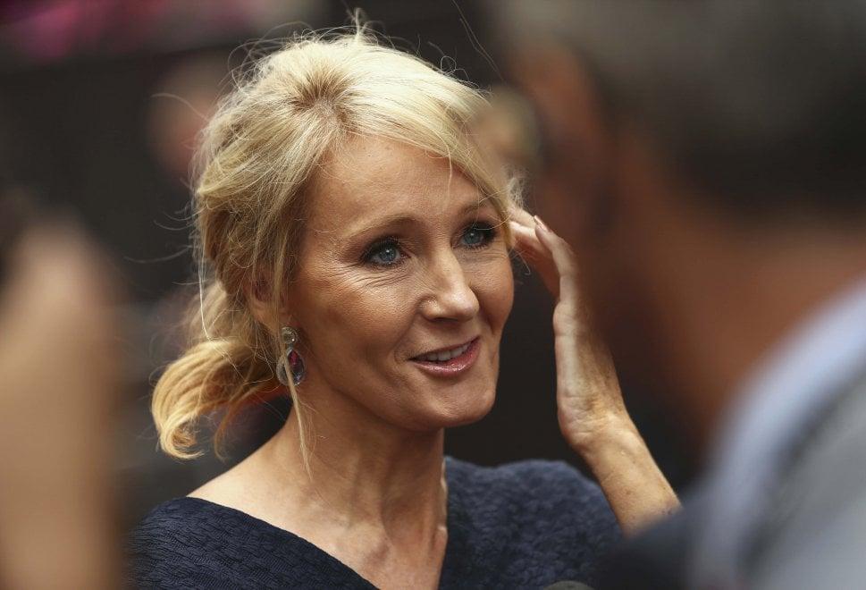 'Harry Potter' debutta a teatro e JK Rowling vola di nuovo in libreria