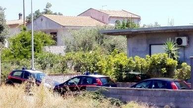 Misterbianco: donna trovata sgozzata in casa, caccia allex fidanzato della figlia