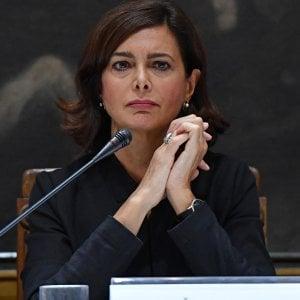 """""""Capra"""", """"maestrina"""" e """"bambola gonfiabile"""": tre anni di insulti a Boldrini, nel mirino di Lega, M5s e giornali di destra"""