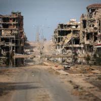 Libia, gli attacchi Usa all'Is un successo politico per Serraj
