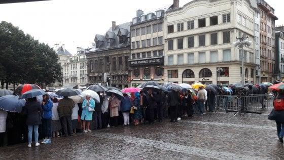 Francia, in migliaia ai funerali di padre Jacques