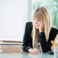 Dipendenza dal lavoro fa male, aumenta l'ansia e la pressione
