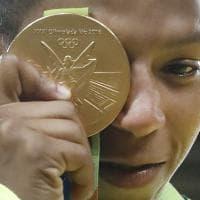Rio 2016, Rafaela Silva primo oro per il Brasile: dalla favela al trionfo nel judo