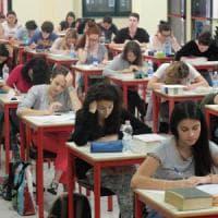 Scuola, migliorano i risultati degli studenti italiani. Boom di 100 e lode