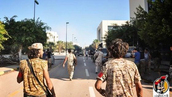 """Libia, milizie filogovernative: """"Riconquistato quartier generale dell'Is a Sirte"""""""