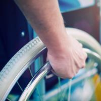 Paraplegici ritrovano sensibilità e controllo parziale delle gambe 'seguendo'
