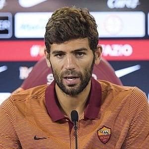 """Roma, la grinta di Fazio: """"Porto agonismo e mentalità vincente. Mi ispiro a Samuel"""""""
