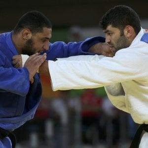 Judo: fischi all'egiziano che non stringe mano a israeliano