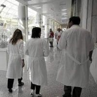"""Soldi di Big Pharma ai medici, la confessione di un primario: """"Tanti modi per non farli..."""