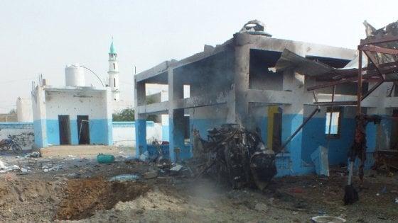 Yemen, raid sunnita colpisce ospedale Msf: almeno 11 morti e 20 feriti