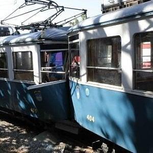 Trieste, scontro frontale tra due tram: otto feriti