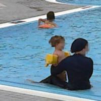 L'Italia e il burkini in piscina, tra imbarazzi e dubbi sui divieti
