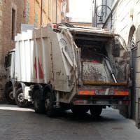 Sassuolo-Stella Rossa: città blindata con i camion dei rifiuti
