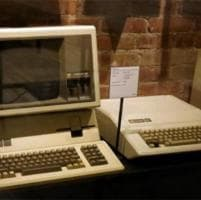 New York, Mac da oltre 30 mila dollari: vintage all'asta